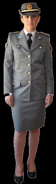 Парадная униформа женщин-военнослужащих сухопутных войск Албании