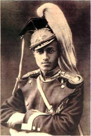 Юнкер Елисаветградского кавалерийского училища в парадной форме.