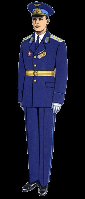 Летняя парадная форма одежды офицеров и сержантов сверхсрочной службы авиации и Воздушно-десантных войск.